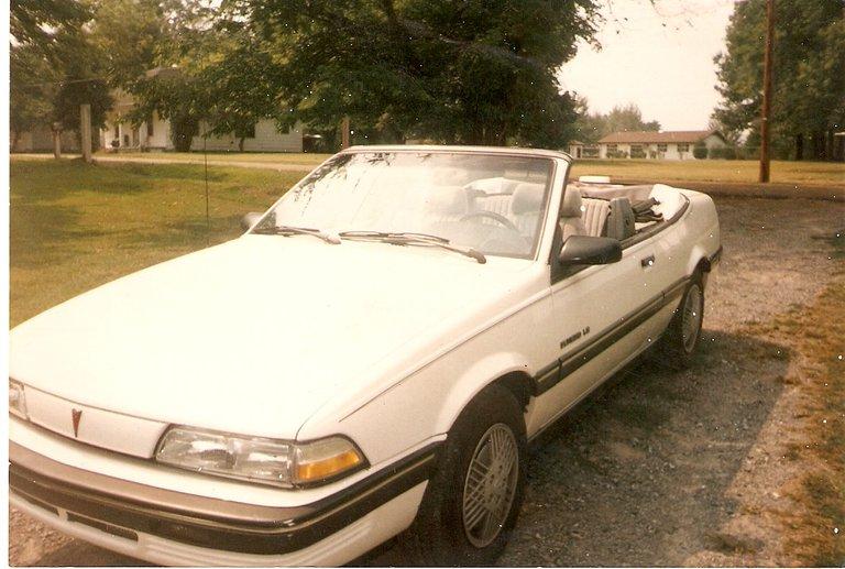 1991 - Pontiac, Sunbird LE Convertible