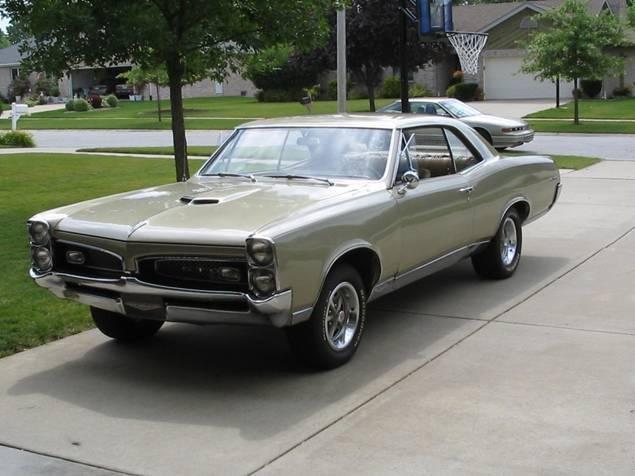 1961 - Pontiac, GTO