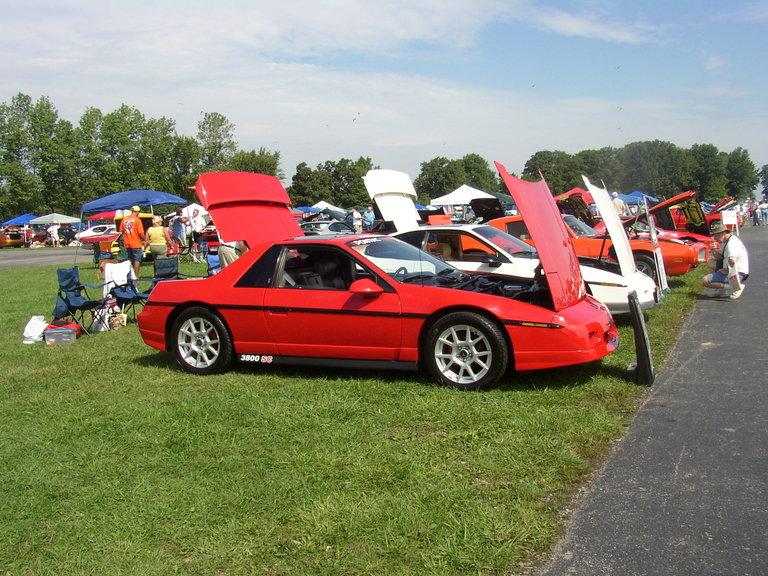 1986 - Pontiac, Fiero SE