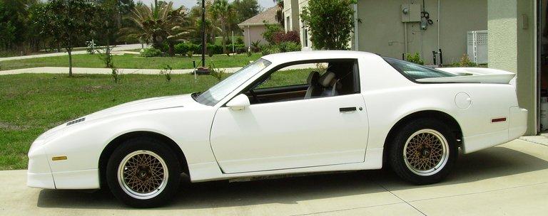 1987 - Pontiac GM, Firebird, Gold Trans Am