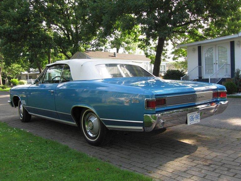 1966 - Pontiac, Beaumont Sport Deluxe