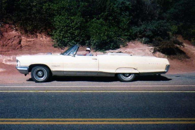 1965 - Pontiac, Bonneville Convertible