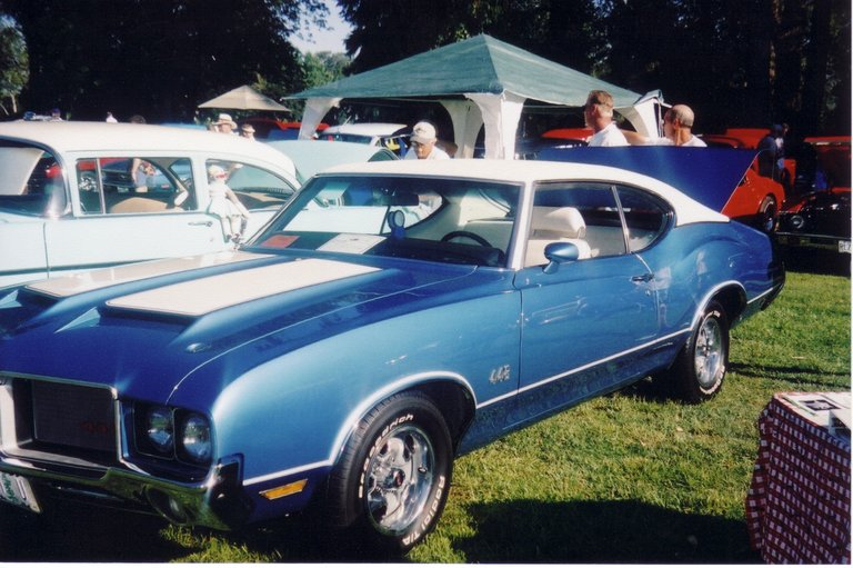 1972 - Oldsmobile, 2dr. Cutlass-s holiday coupe 442