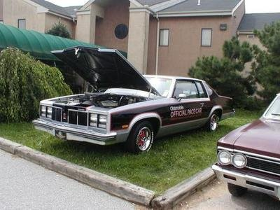 1977 - Oldsmobile, Delta 88 Royale Indy 500 Pace Car