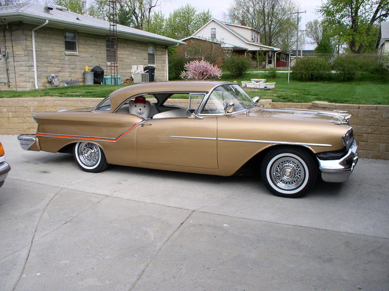 1957 - Oldsmobile, Holiday Cp 88