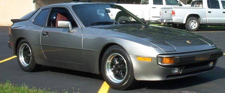 1985 - Porsche, 944