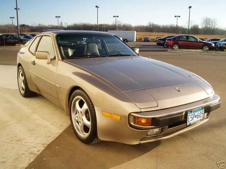 1983 - Porsche, 944