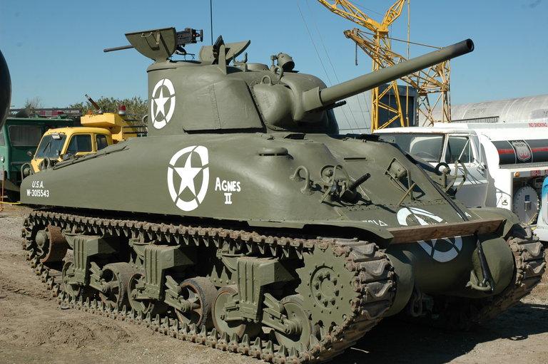 1942 - Chrysler (Prime Contractor), M4A1