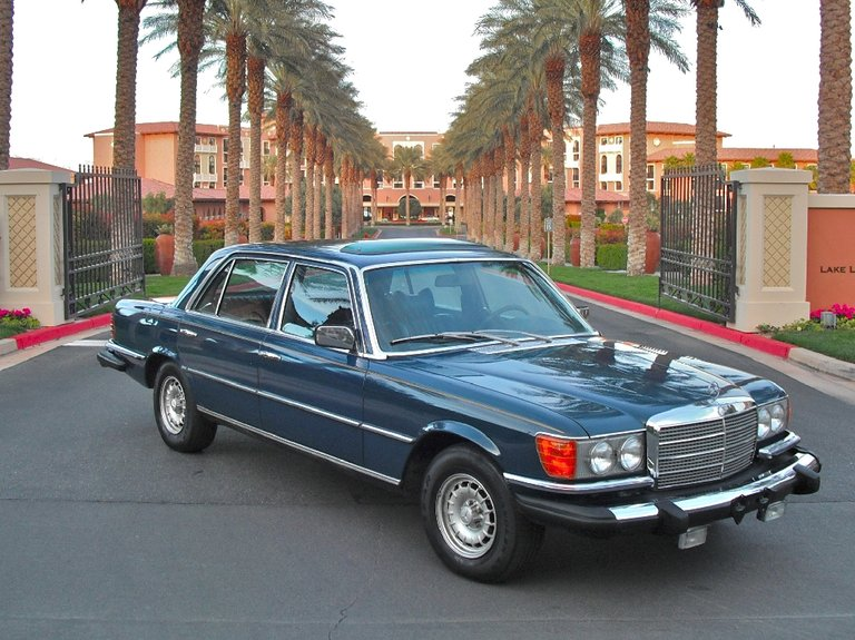 1975 - Mercedes-Benz - Mercedes-Benz