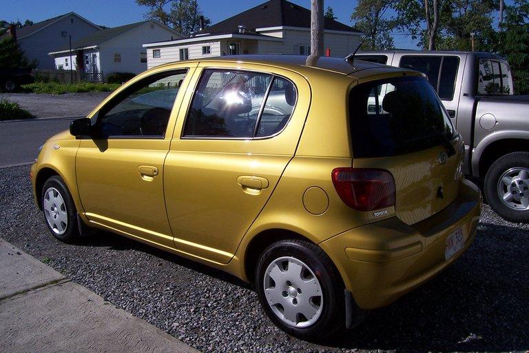 2005 - Toyota, Echo Hatchback