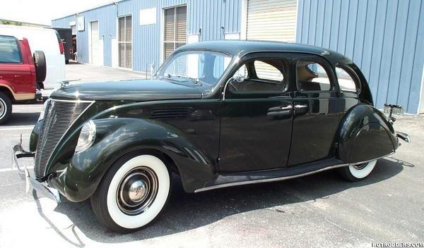 1936 - Lincoln, Zephyr Sedan