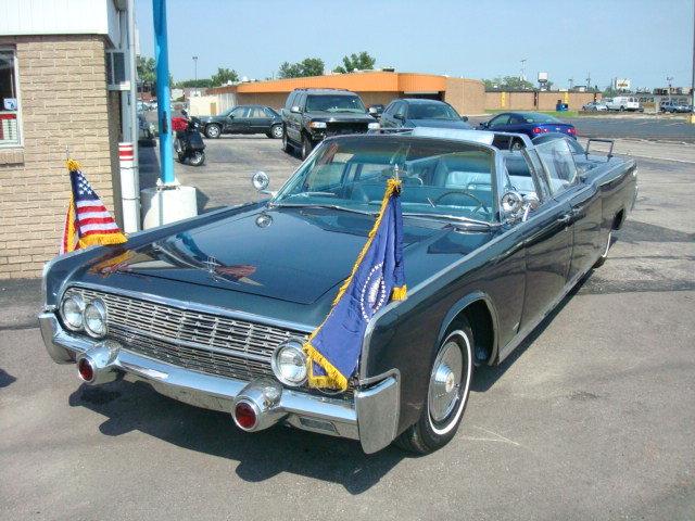 1961 - Lincoln, x-100 JFK Presidential Limo Replica