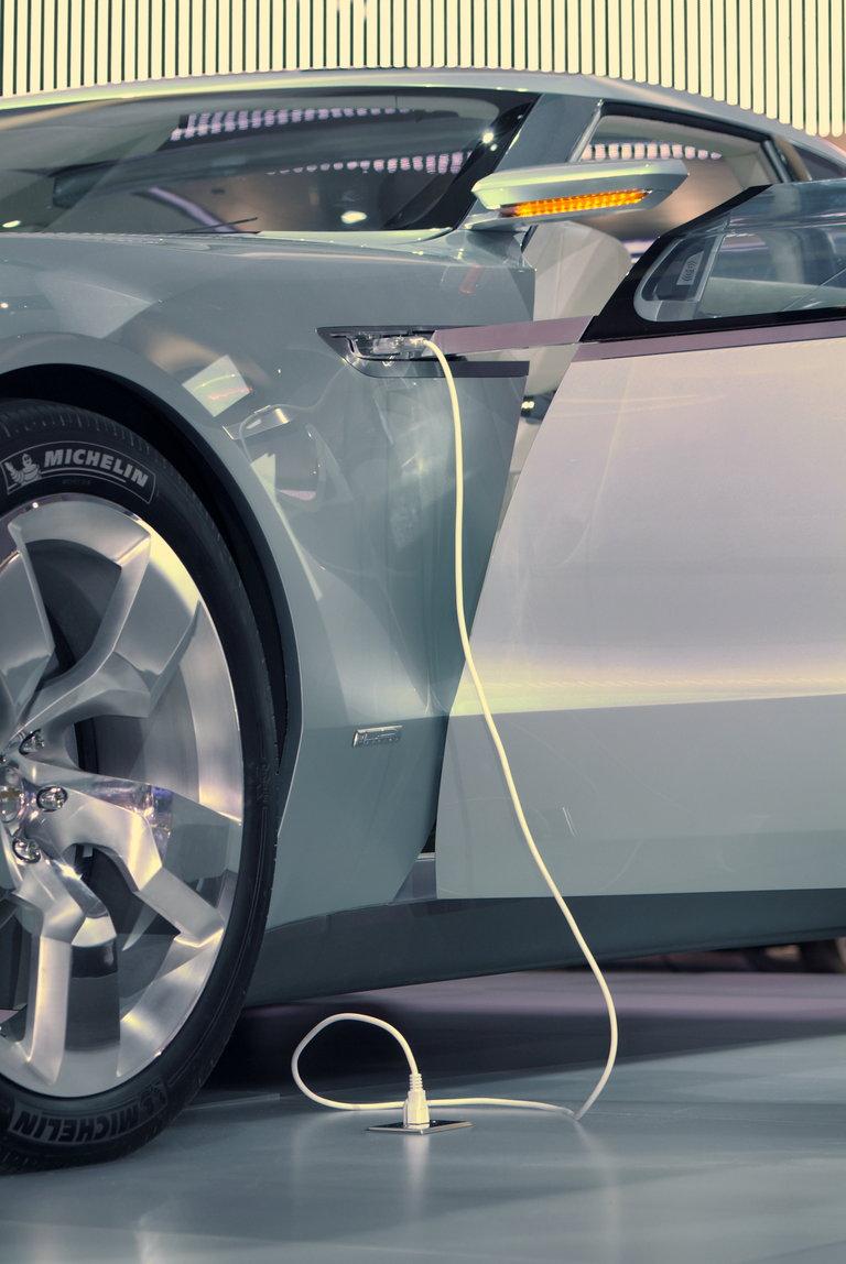 """2007 - GM, """"Volt Concept Car"""""""