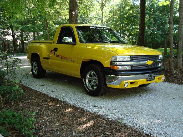 2002 - Chevrolet - Trucks