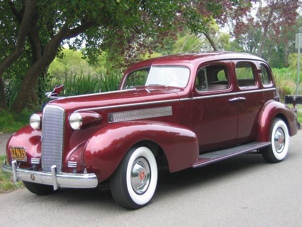 1937 - Cadillac - Classics