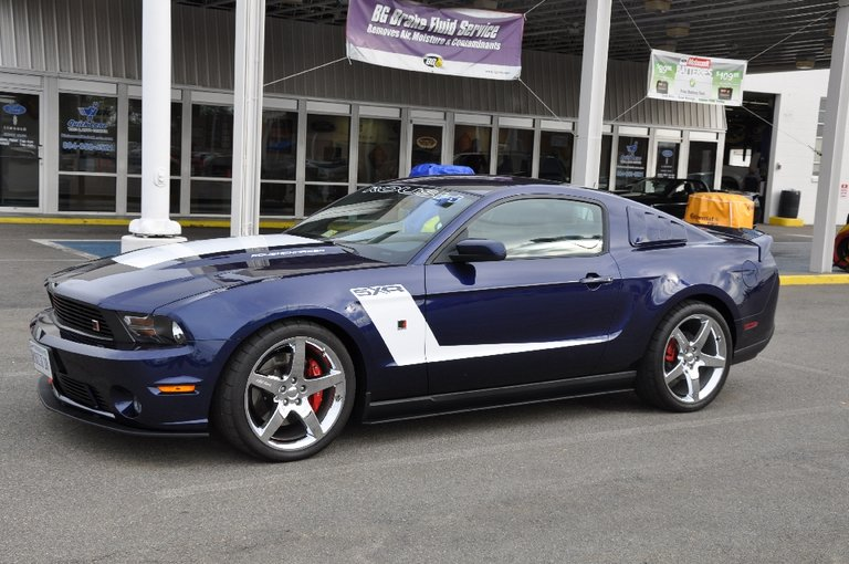 2011 - Ford - Mustang