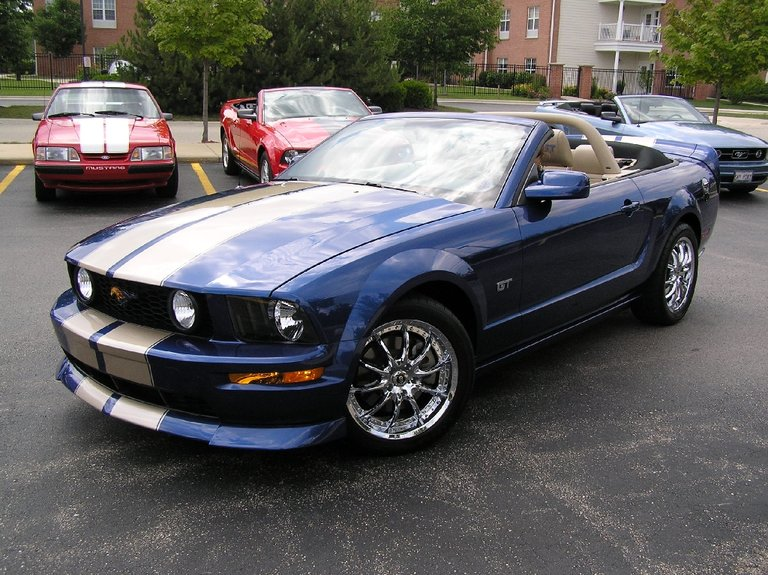 2006 - Ford - Mustang