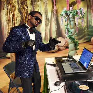 Parks and Recreation - DJ Tom lays down some beats at prom