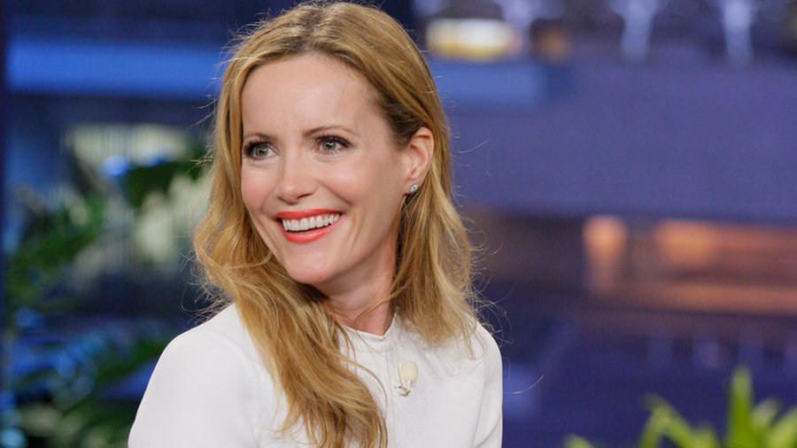 Leslie Mann, David Koechner, with musical guest Vince Gill with special guest Paul Franklin