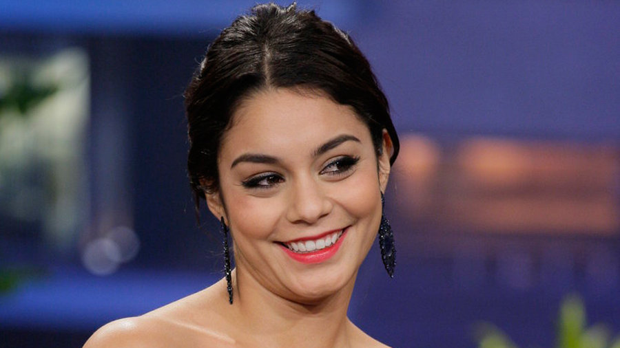 Vanessa Hudgens, Mark Cuban, with musical guest Foreigner