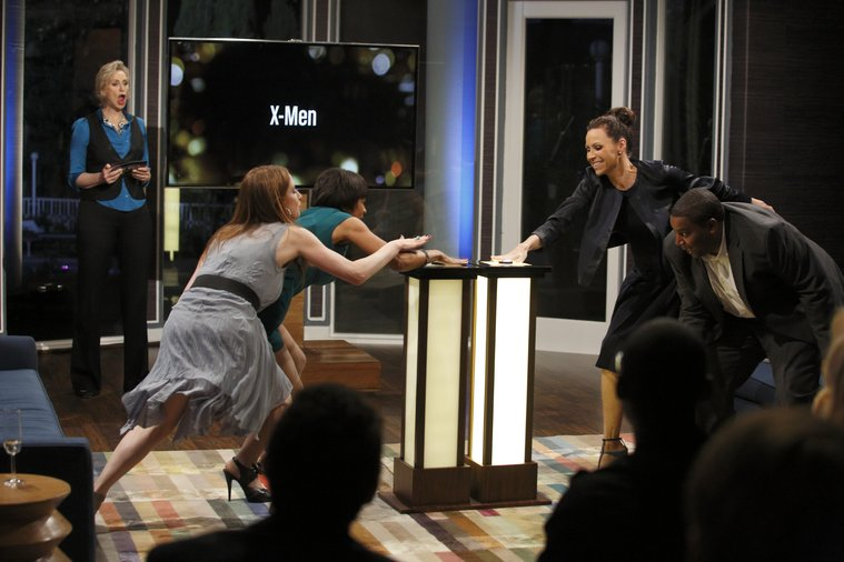 HOLLYWOOD GAME NIGHT -- Episode 102 -- Pictured: (l-r)  Ellie Kemper, Contestant, Minnie Driver, Kenan Thompson -- (Photo by: Trae Patton/NBC)