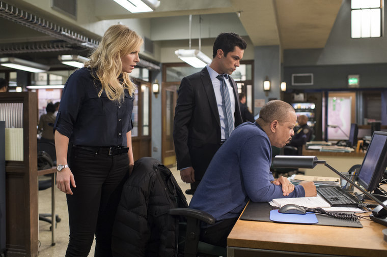 """LAW & ORDER: SPECIAL VICTIMS UNIT -- """"Gambler's Fallacy"""" Episode 1517 -- Pictured: -- (Photo by: Michael Parmelee/NBC)"""