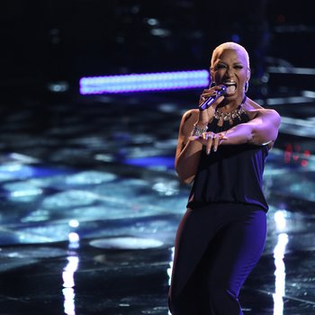 """THE VOICE -- """"Playoffs"""" Episode 614 -- Pictured:  Sisaundra Lewis -- (Photo by: Tyler Golden/NBC)"""