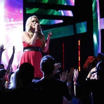 "THE VOICE -- ""Live Show"" -- Pictured: Dani Moz  -- (Photo by: Trae Patton/NBC)"