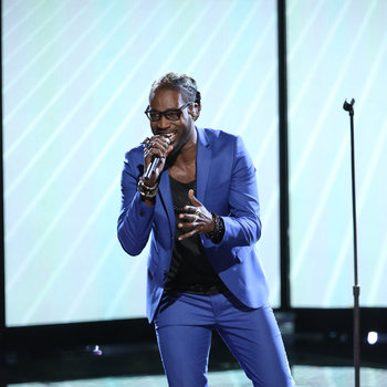 """THE VOICE -- """"Live Show"""" -- Pictured: Delvin Choice -- (Photo by: Tyler Golden/NBC)"""