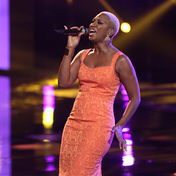 "THE VOICE -- ""Live Show"" -- Pictured: Sisaundra Lewis -- (Photo by: Tyler Golden/NBC)"