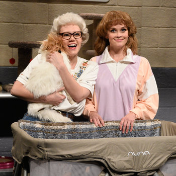 Reese Witherspoon hosts Saturday Night Live with musical guest Florence + the Machin on May 9, 2015.
