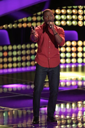 """THE VOICE -- """"Blind Auditions"""" Episode 603 -- Pictured: Deshawn Washington -- (Photo by: Tyler Golden/NBC)"""