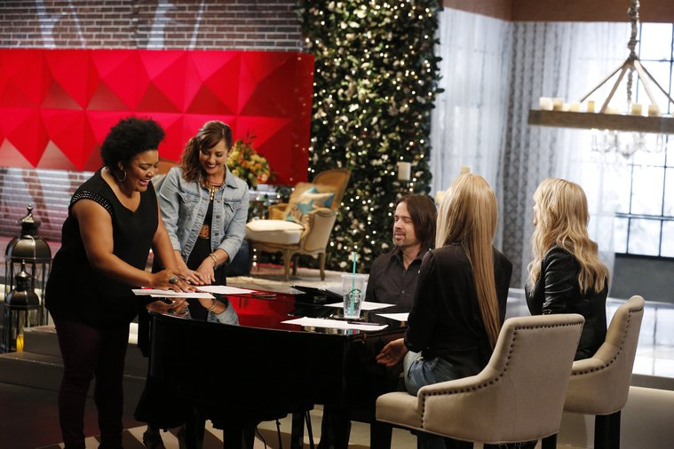 """THE VOICE -- """"Team Shakira Battle Reality"""" -- Pictured: (l-r)  -- (Photo by: Trae Patton/NBC)"""