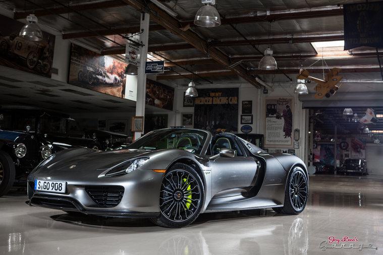 jay takes a looks at the new porsche 918. Black Bedroom Furniture Sets. Home Design Ideas