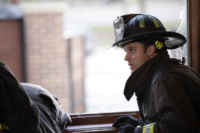 CHICAGO FIRE - EPISODE 112 - UNDER THE KNIFE