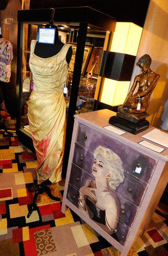 Julien's Auctions Presents Celebrity I