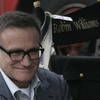 """LAW & ORDER: SPECIAL VICTIMS UNIT-- """"Authority"""" Episode 90017 -- Airdate 04/29/2008 -- Pictured: Robin Williams as Merritt Rook -- NBC Photo: Virginia Sherwood"""