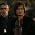 """LAW & ORDER: SPECIAL VICTIMS UNIT -- """"Cold"""" Episode 919 -- Airdate 05/13/2008 --Pictured: (l-r) Richard Belzer as Det. John Munch, Mariska Hargitay as Det. Olivia Benson -- Photo by: Will Hart/NBCU Photo Bank"""