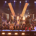 """THE VOICE -- """"Live Show"""" Episode 519A -- Pictured: (l-r) Blake Shelton, Christina Aguilera, CeeLo Green, Adam Levine, Def Leppard -- (Photo by: Tyler Golden/NBC)"""