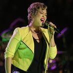 "Tessanne went back to her Jamaican roots for her Top 8 performance, singing No Doubt's reggae-infused ""Underneath It All."" The song was right in her wheelhouse and easily got her to the quarterfinals."