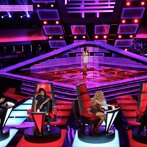"THE VOICE -- ""Blind Auditions"" Episode 602 -- Pictured: (l-r) Blake Shelton, Usher, Deja Hall, Shakira, Adam Levine -- (Photo by: Tyler Golden/NBC)"