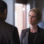 """HANNIBAL -- """"Hassun"""" Episode 203 -- Pictured: (l-r) Laurence Fishburne as Jack Crawford, Cynthia Nixon as Kade Prurnell  -- (Photo by: Brooke Palmer/NBC)"""