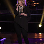 "THE VOICE -- ""Battle Rounds"" Episode 607 -- Pictured: Dani Moz  -- (Photo by: Tyler Golden/NBC)"