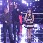 "THE VOICE -- ""Battle Rounds"" Episode 607 -- Pictured: (l-r) Jake Worthington, Carson Daly, Lexi Luca -- (Photo by: Tyler Golden/NBC)"