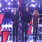"THE VOICE -- ""Battle Rounds"" Episode 608 -- Pictured: (l-r) Megan Ruger, Carson Daly, Ria Eaton -- (Photo by: Tyler Golden/NBC)"