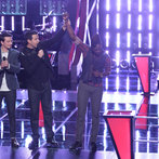 "THE VOICE -- ""Battle Rounds"" Episode 608 -- Pictured: (l-r) Caleb Elder, Carson Daly, Delvin Choice -- (Photo by: Tyler Golden/NBC)"