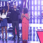 "THE VOICE -- ""Battle Rounds"" Episode 609 -- Pictured: (l-r) Deja Hall, Carson Daly, Musicbox / Ayesha Brooks -- (Photo by: Tyler Golden/NBC)"
