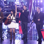 """THE VOICE -- """"Battle Rounds"""" Episode 609 -- Pictured: (l-r) Christopher Hawkes and Dawn Dropeza, Carson Daly, Josh Murley -- (Photo by: Tyler Golden/NBC)"""