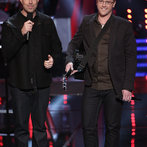 "THE VOICE -- ""Battle Rounds"" Episode 609 -- Pictured: (l-r) Carson Daly, Josh Murley -- (Photo by: Tyler Golden/NBC)"