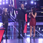 "THE VOICE -- ""Battle Rounds"" Episode 609-- Pictured: (l-r) Bria Kelly, Carson Daly, Tess Boyer -- (Photo by: Tyler Golden/NBC)"